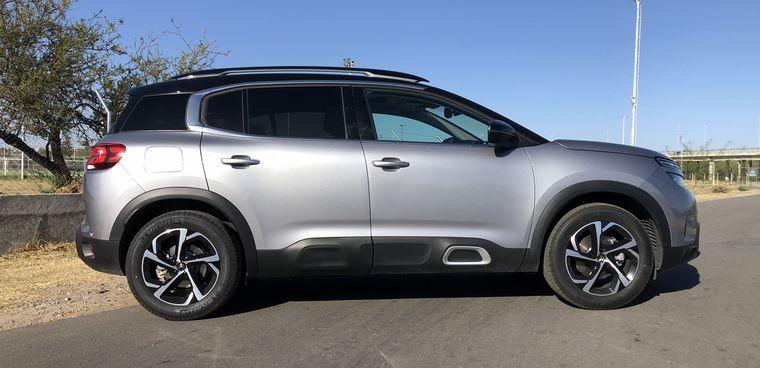 FOTO: Una SUV equipada con los mas desarrollados sistemas de seguridad aplicados.