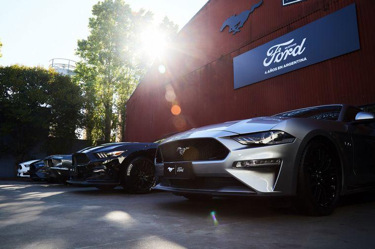 FOTO: Mikki Lusardi condujo el 4º aniversario de Mustang en Argentina