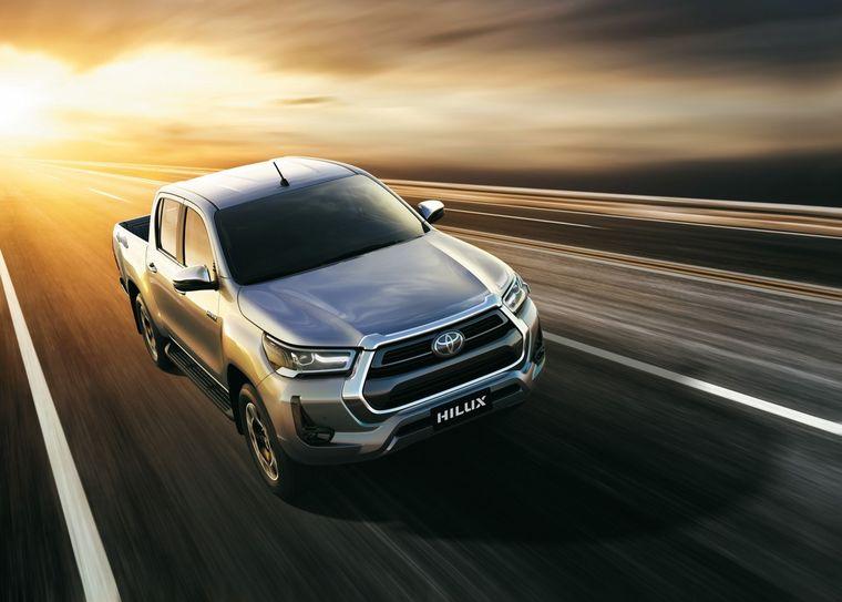 FOTO: Toyota HILUX 2021