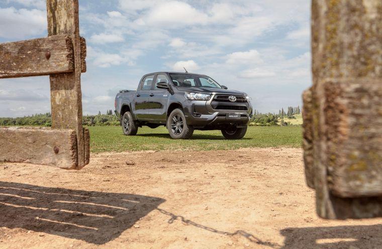 FOTO: Llegó la nueva Toyota Hilux 2021 y fue presentada virtualmente