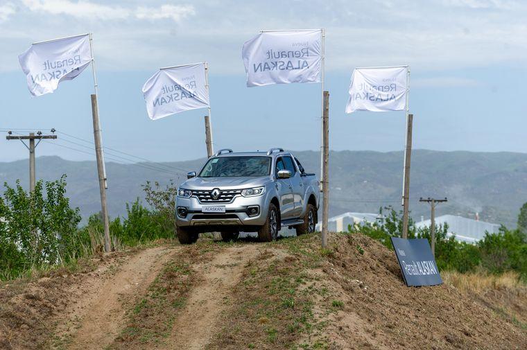 VIDEO: Test Drive Renault Alaskan