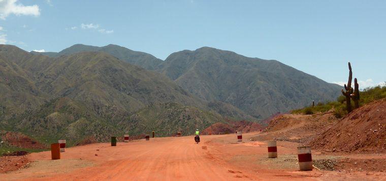FOTO: Camino hacia Laguna Brava (Foto: Pablo Re)