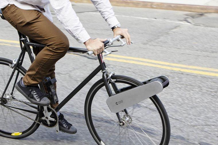 FOTO: El kit CLIP Bike convierte cualquier bicicleta híbrida o urbana en una e-bike