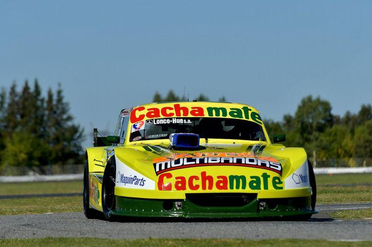 """FOTO: Impecable tarea de Agustin con el Chevrolet, para ganar el """"Trofeo Alberto Canapino""""."""