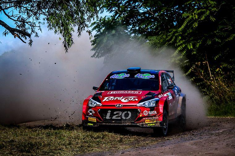 FOTO: Juan Carlos Alonso (Skoda) ya es tercero de la clasificación general.