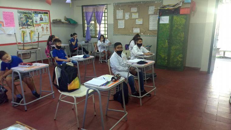 AUDIO: El barbijo en el aula y el desafío para niños hipoacúsicos