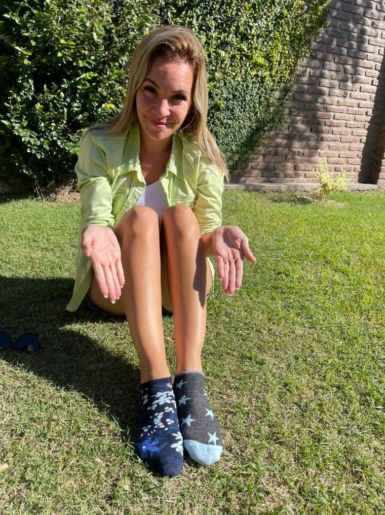 FOTO: Medias distintas Sindrome de Down Cadena 3
