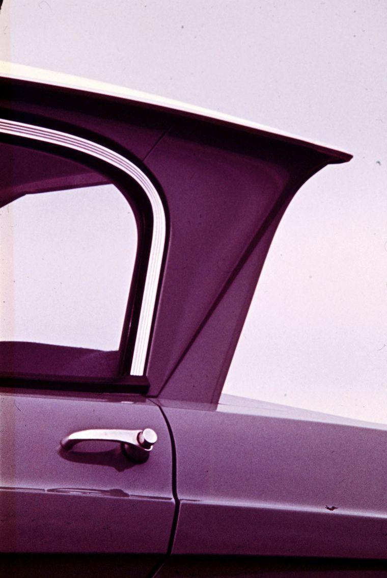 FOTO: Afiches oficiales de Citroën de 1966 en Francia.