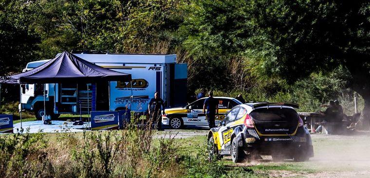 """FOTO: Alonso y Pablo Giorgi de """"Iconos del Rally"""" en La Falda."""