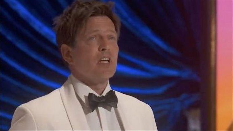 FOTO: Thomas Vinterberg dio un emotivo discurso por su premio a