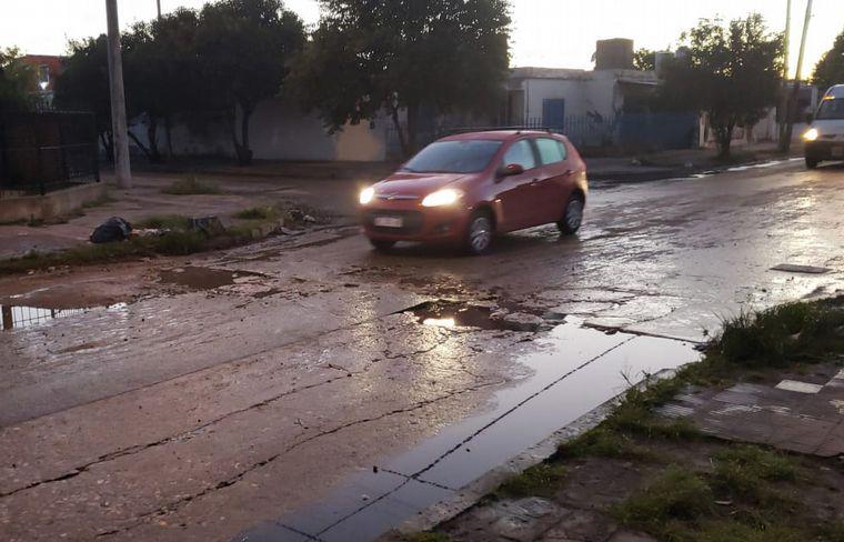 FOTO: El bache en Francisco de Alarcón esquina Martiniano Chilavert.