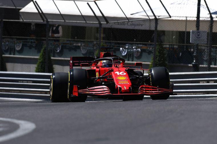 FOTO: Charles Leclerc confirma el resurgimiento de Ferrari y se coloca en P1 en Mónaco