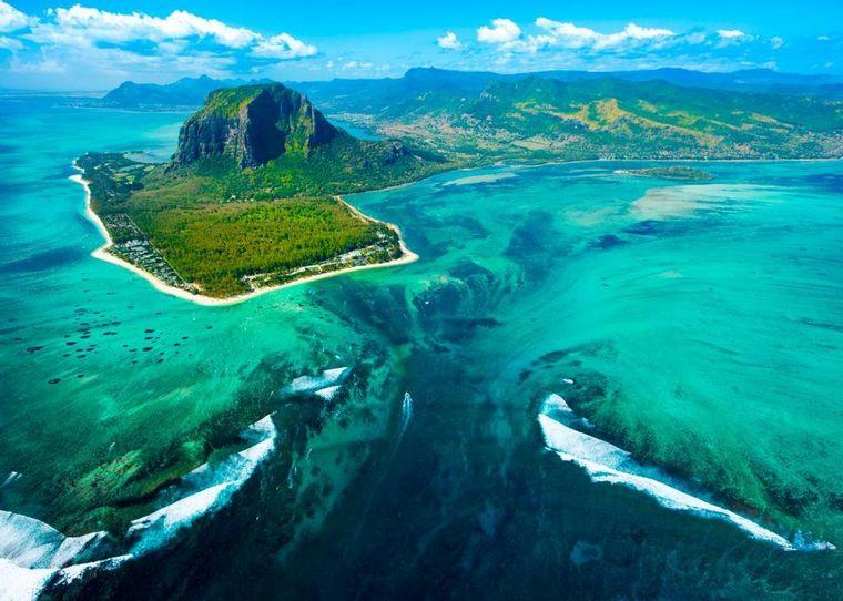 FOTO: Cascada submarina isla Mauricio