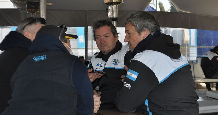 FOTO: Diego, Alejandro Levy y Germán Lagoa, el equipo del CARX y el Top Race