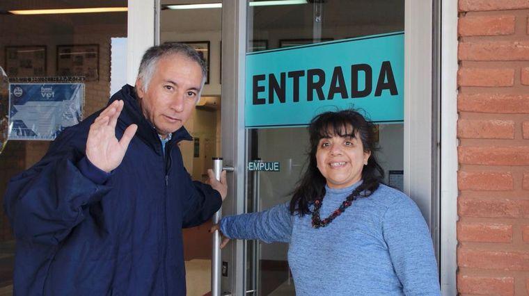 FOTO: Silvia y Javier estudiarán una diplomatura en la UES21 (Foto: Thomas Bex)