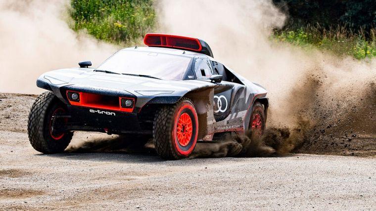 FOTO: Futurista y agresivo, el Audi RS Q E-Tron ya comenzó a ser probado rumbo al Dakar