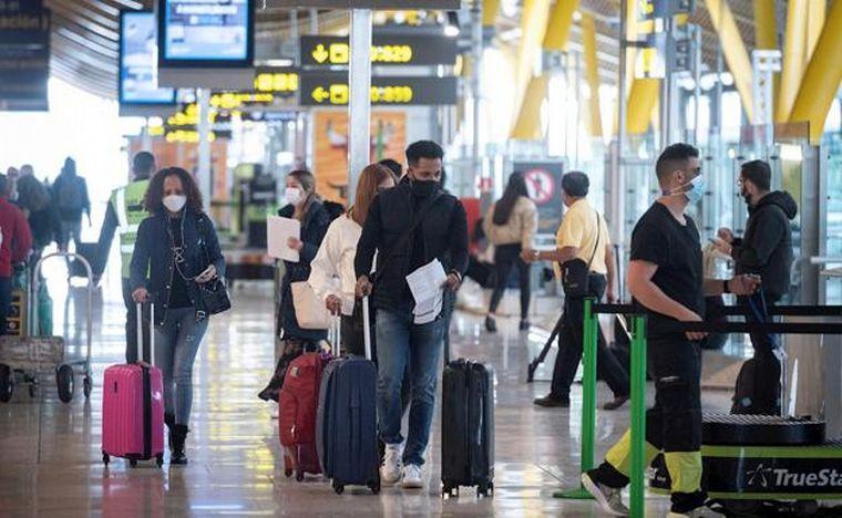 FOTO: España impone cuarentena para viajeros de la Argentina
