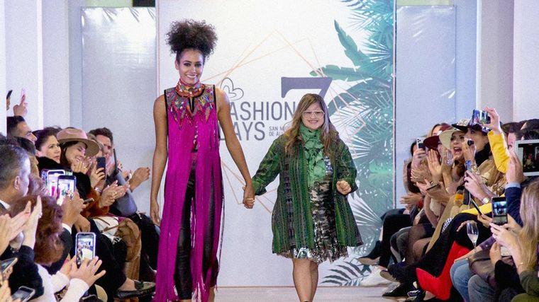 FOTO: Isabella Springmühl, la primera diseñadora con Síndrome de Down que conquistó la moda