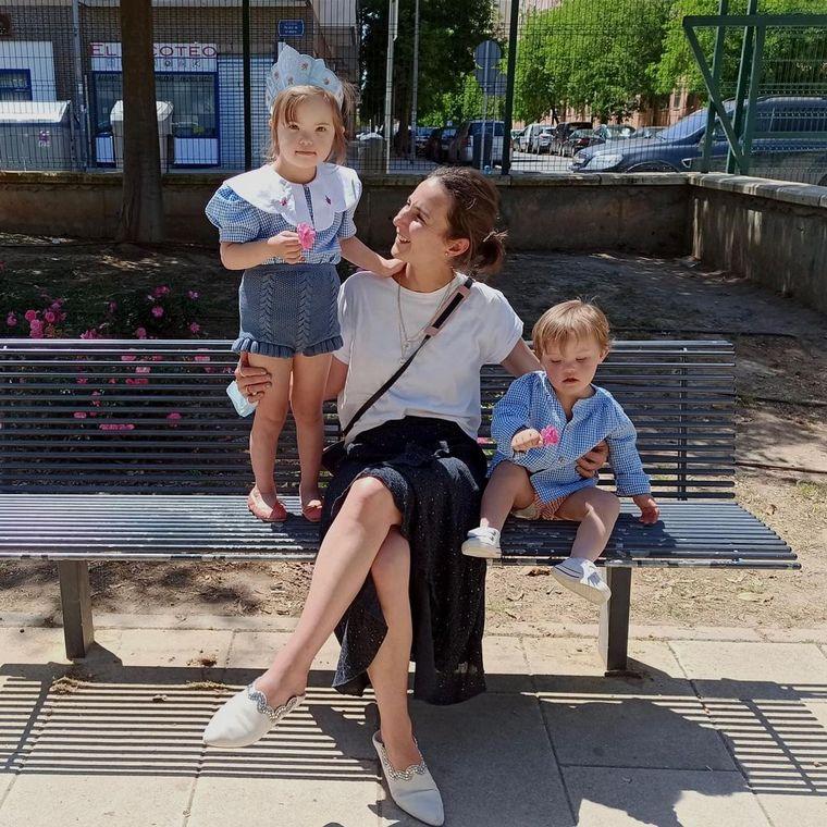 FOTO: Mariana y Jaime, los hijos de una mamá orgullosa