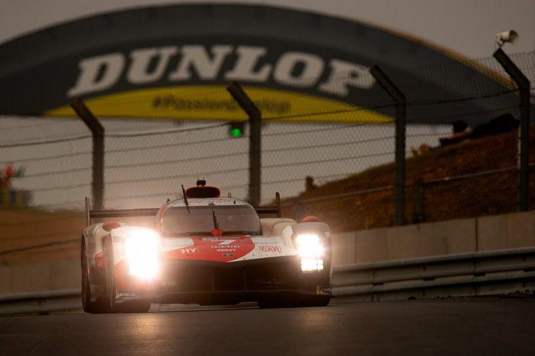 FOTO: López y dos amigos cordobeses en Le Mans