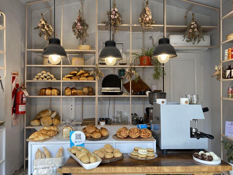 FOTO: Le Mensola: café de especialidad y panificación europea de masa madre.