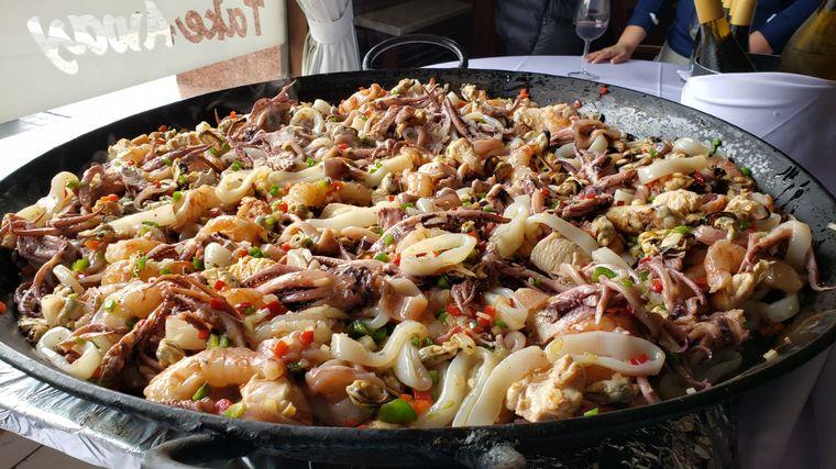 """FOTO: El Celta Restaurant y Cadena 3 lanzan el """"Mes de la Paella"""""""