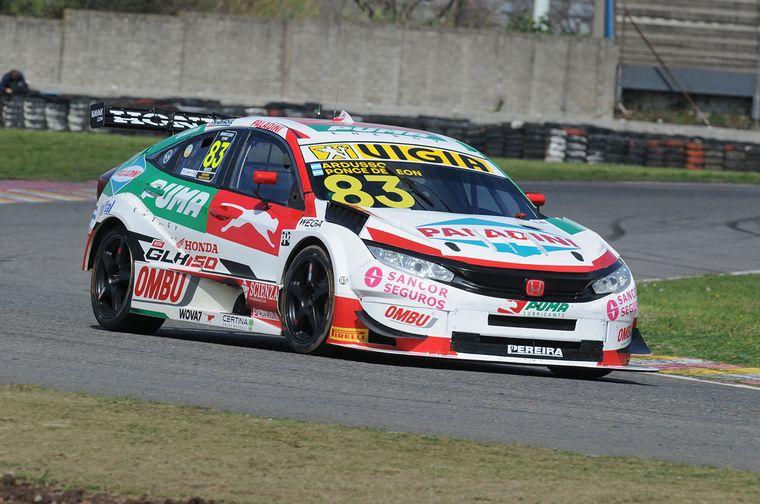 FOTO: Pechito López en el Corolla campeón, quedó tercero.
