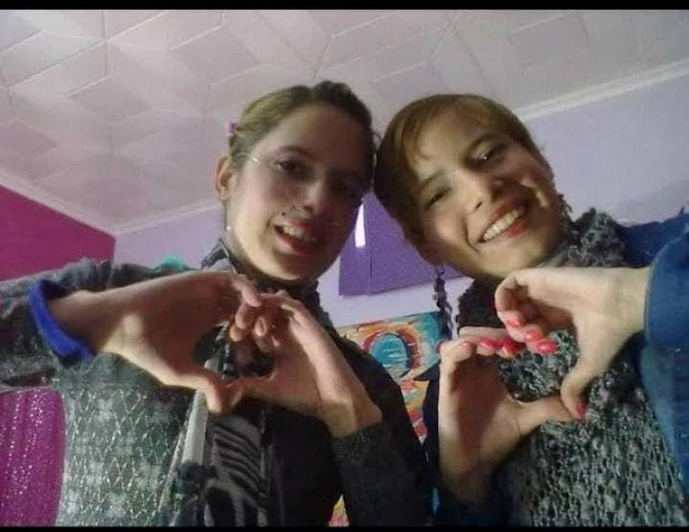 FOTO: Maribel Oviedo y su hermana
