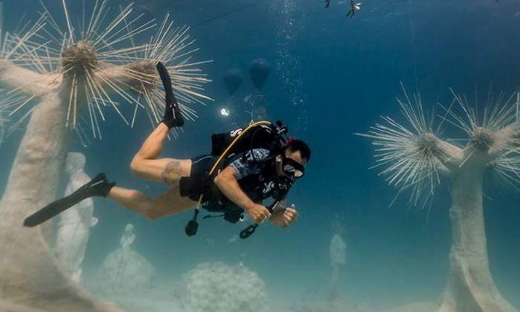 FOTO: Musan, un museo sumergido 10 metros bajo el mar de Chipre.